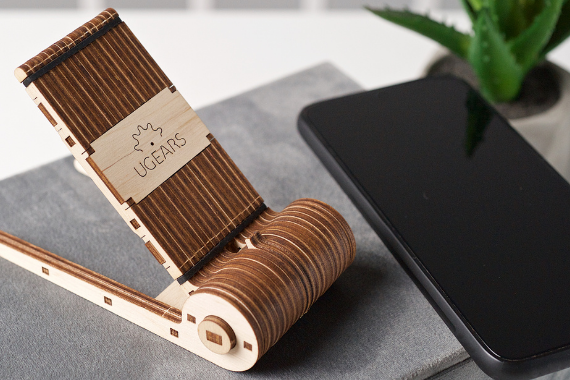 UGEARS Wooden Mechanical Model Foldable Phone Holder Stand