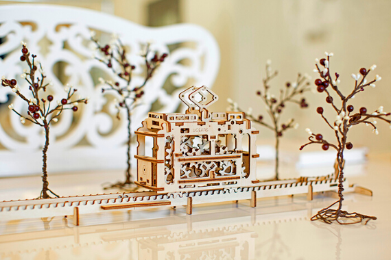 UGEARS Wooden Mechanical Model Tram with Rails