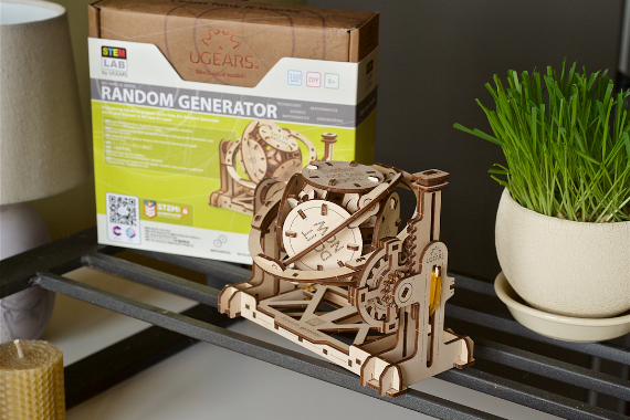 UGEARS Wooden Mechanical Model STEM Lab Random Generator